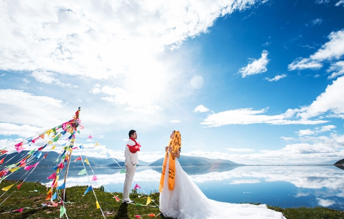 龙墨印象7999元香格里拉旅拍婚纱照