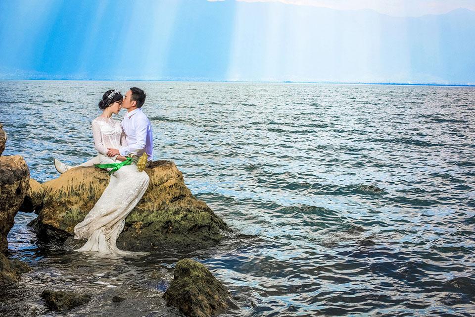 龙墨印象7999元大理旅拍婚纱照