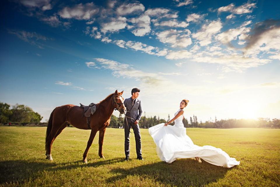 米兰春天5998元蜜月旅拍婚纱摄影
