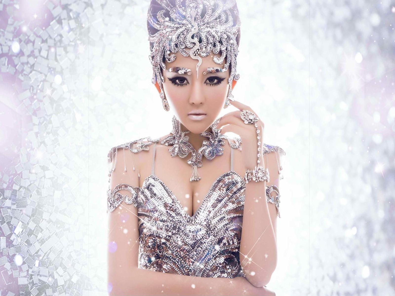 艾菲婚纱艺术摄影