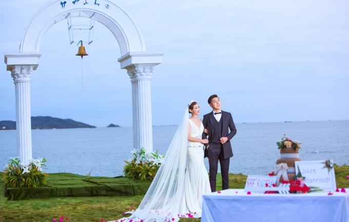 新好莱坞2999元三亚旅拍婚纱摄影