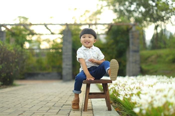 郑州儿童摄影-阳光小帅哥的晒片