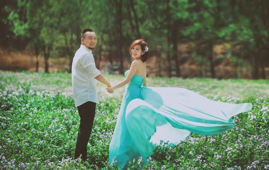 上海婚纱摄影-水杯里的温水的晒片