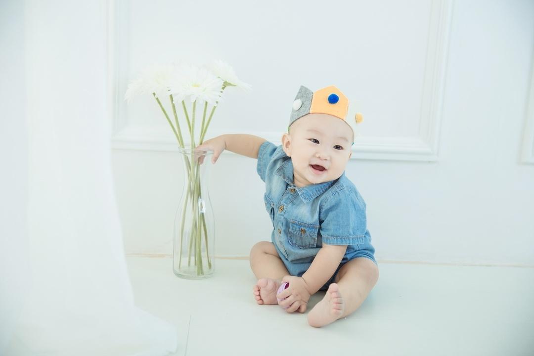 广州儿童摄影-润唇膏的美丽的晒片