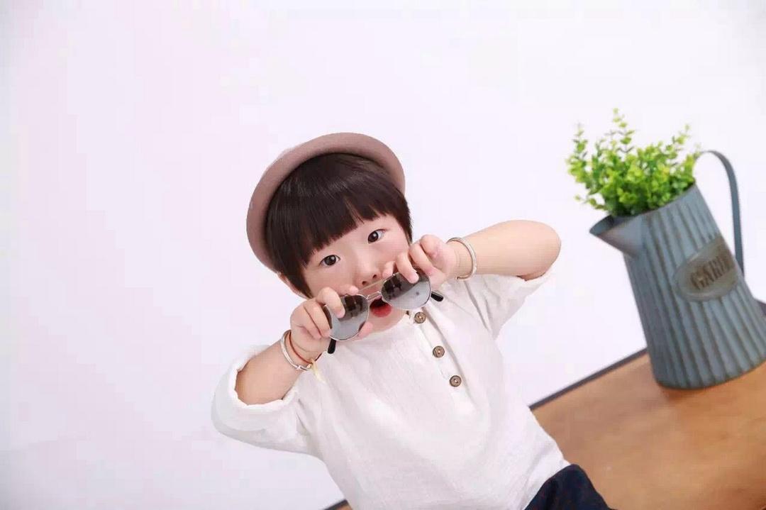 上海儿童摄影-一个人的太阳的晒片
